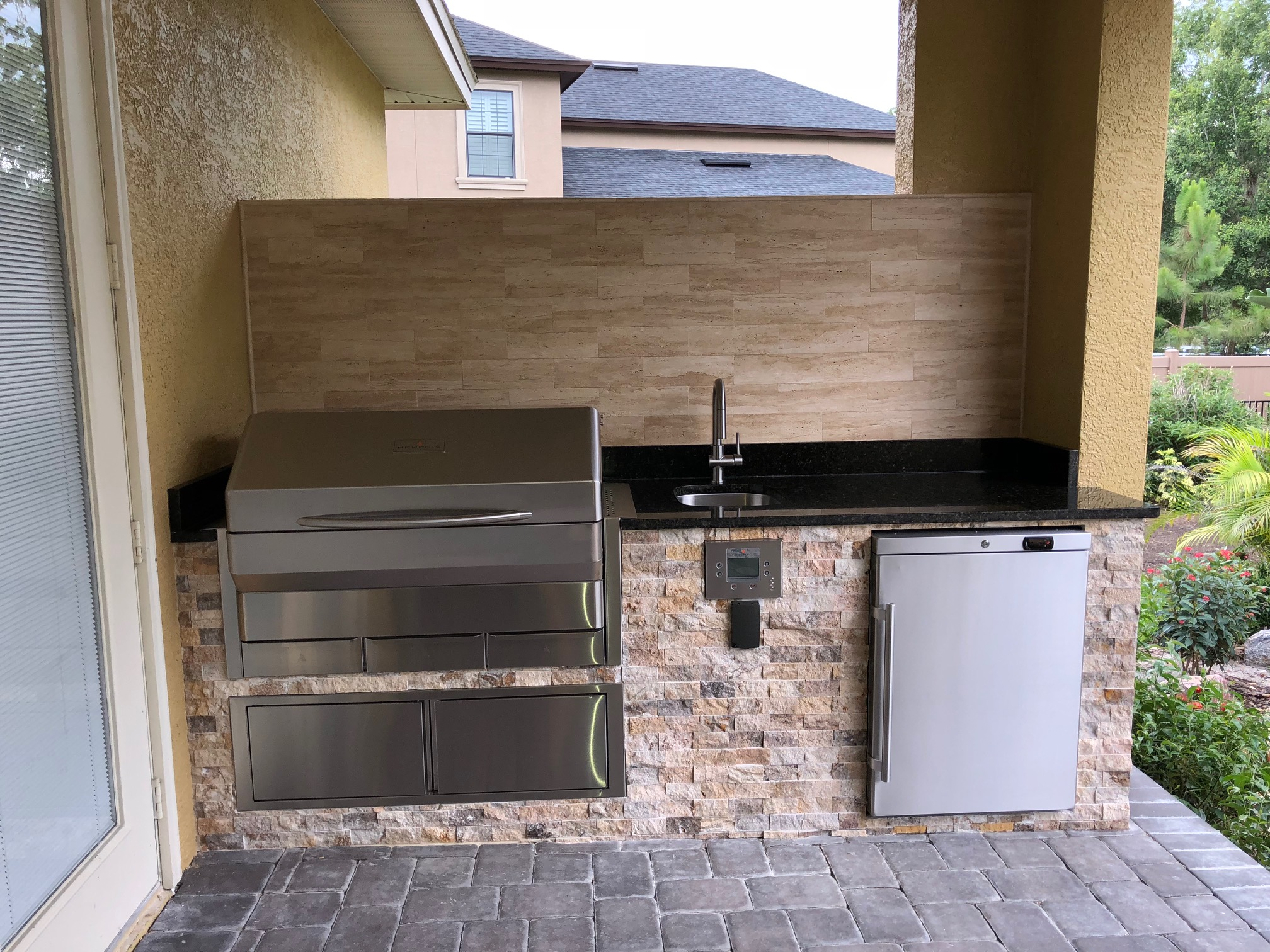 memphis grill outdoor kitchen