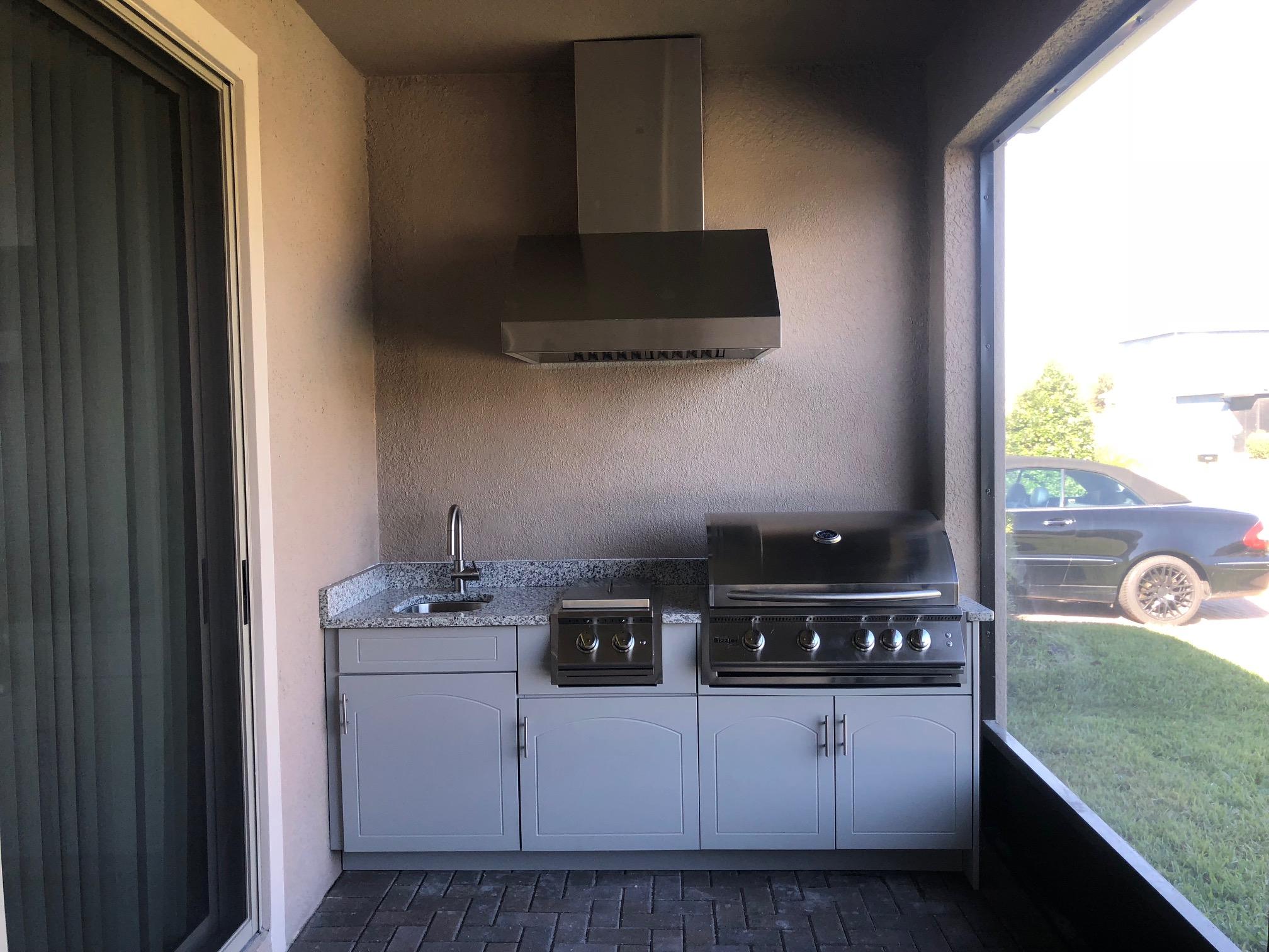 Outdoor Kitchen with Range Hood