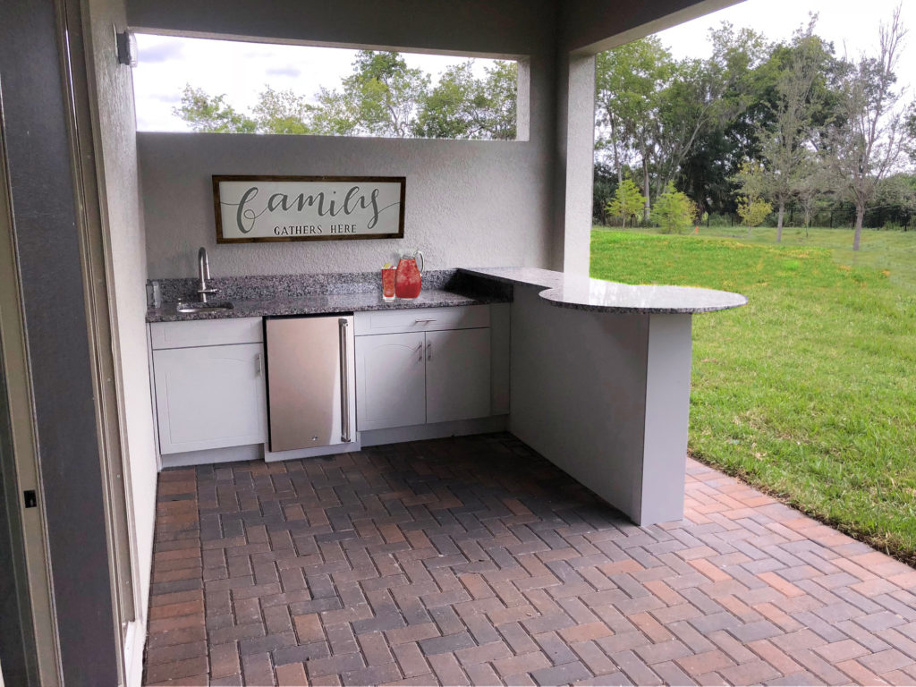Outdoor Kitchen with Rounded Bar - Synergy Outdoor Living on Synergy Outdoor Living id=31730